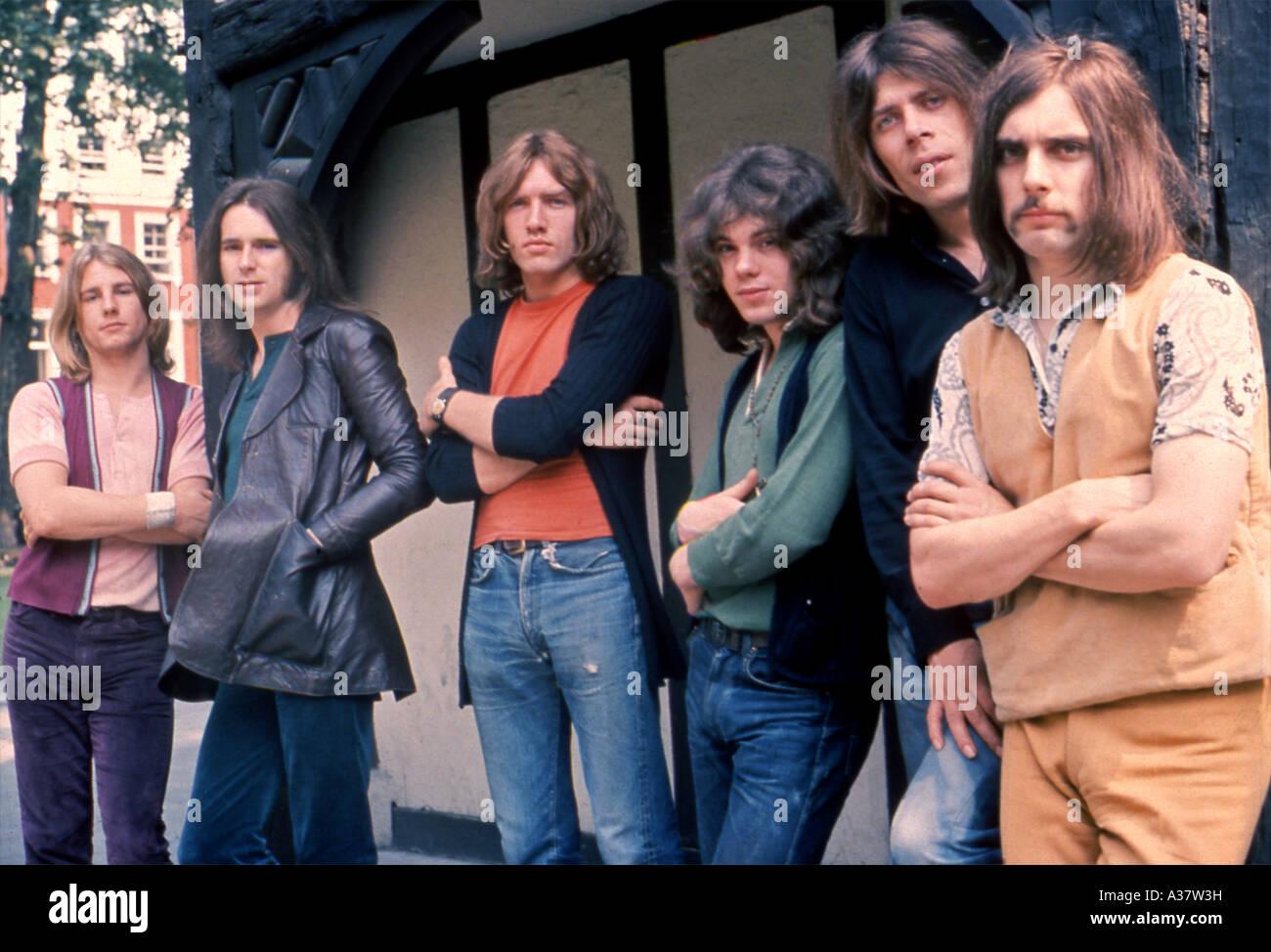 STATUS QUO lineup en 1968 desde la izquierda Rick Parfitt Francis Rossi Alan Lancaster Roy Lynes John Coglan Foto de stock