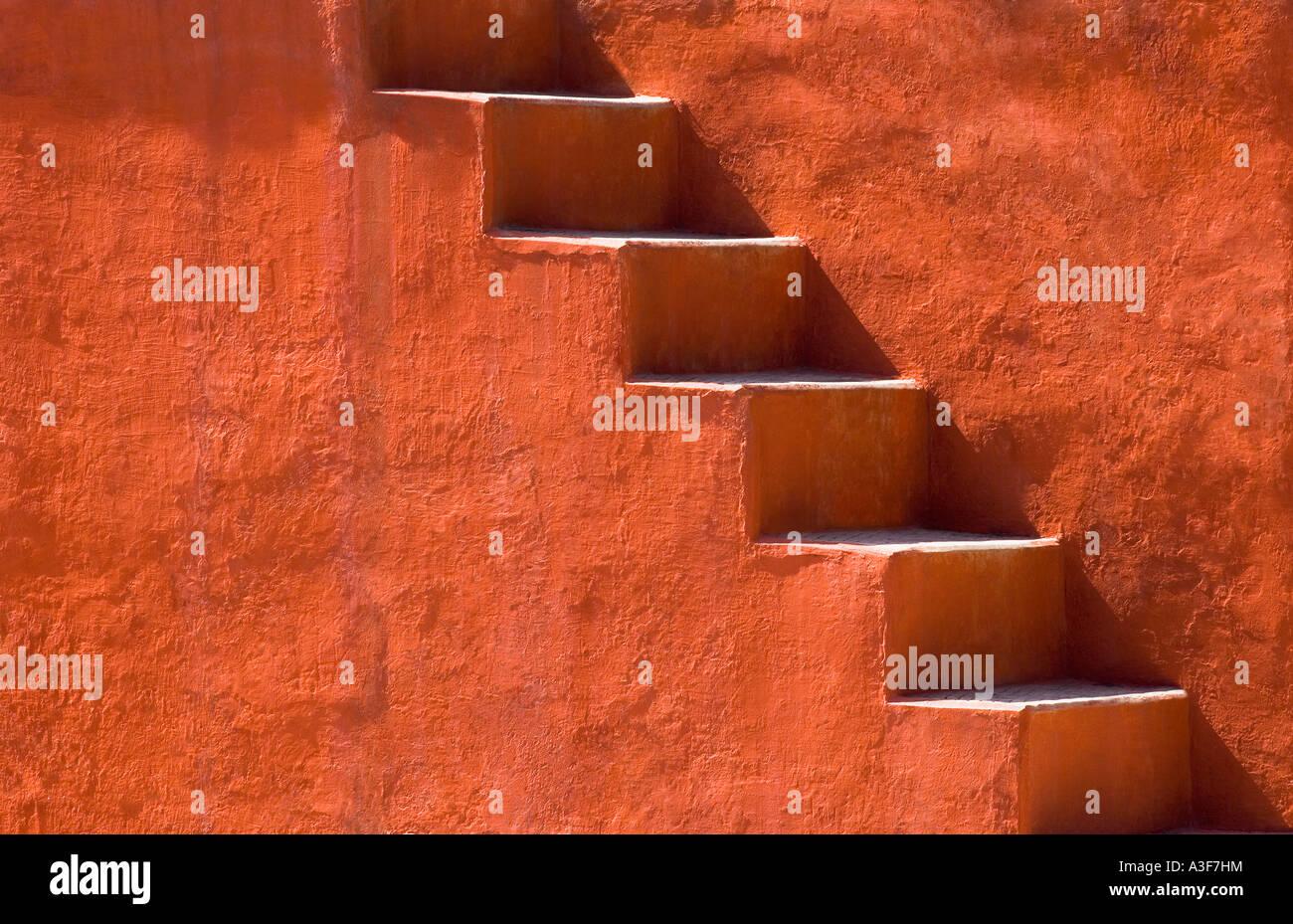 Pasos en un edificio, Jantar Mantar, Nueva Delhi, India Foto de stock