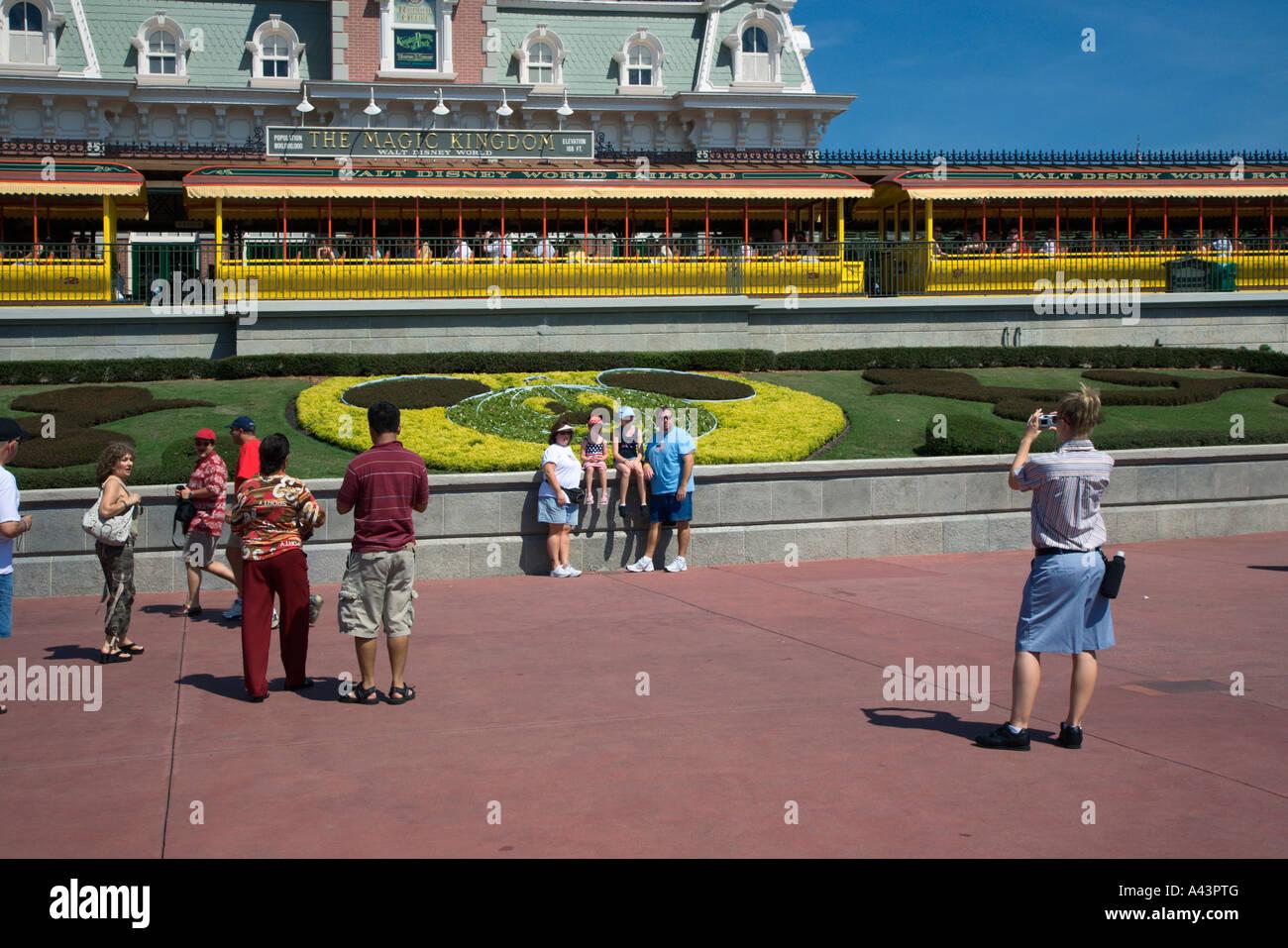 Perfecto Fuera De La Página Disney Imagen - Enmarcado Para Colorear ...
