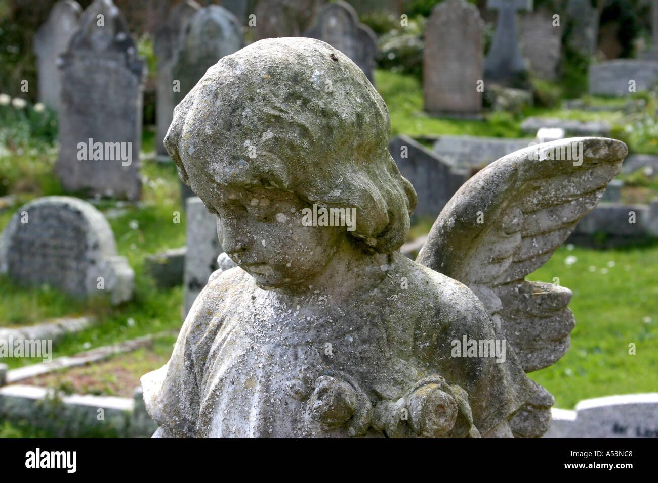 Escultura angelical Foto de stock