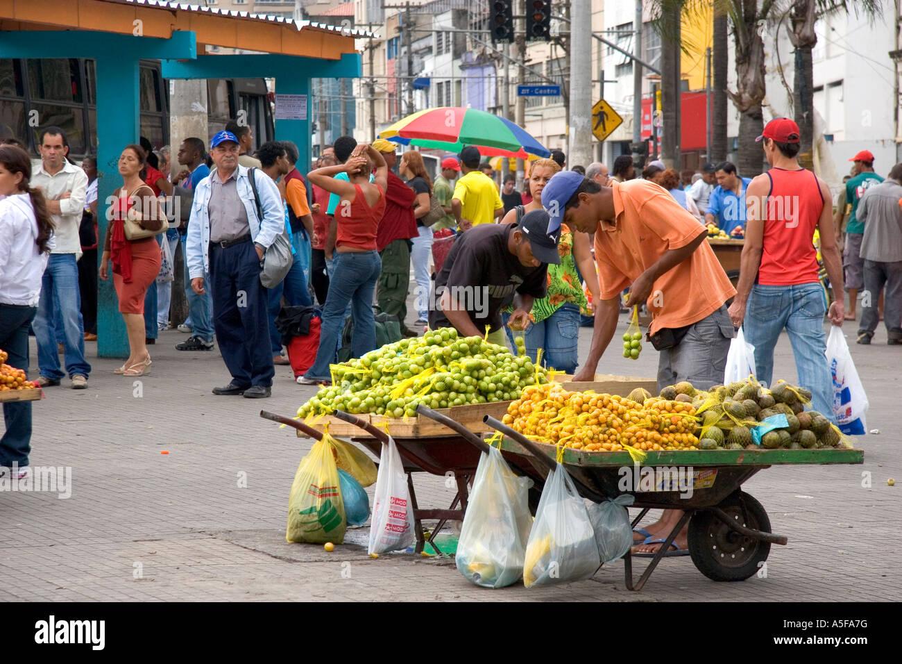 Resultado de imagem para brasil -  vendedores de rua