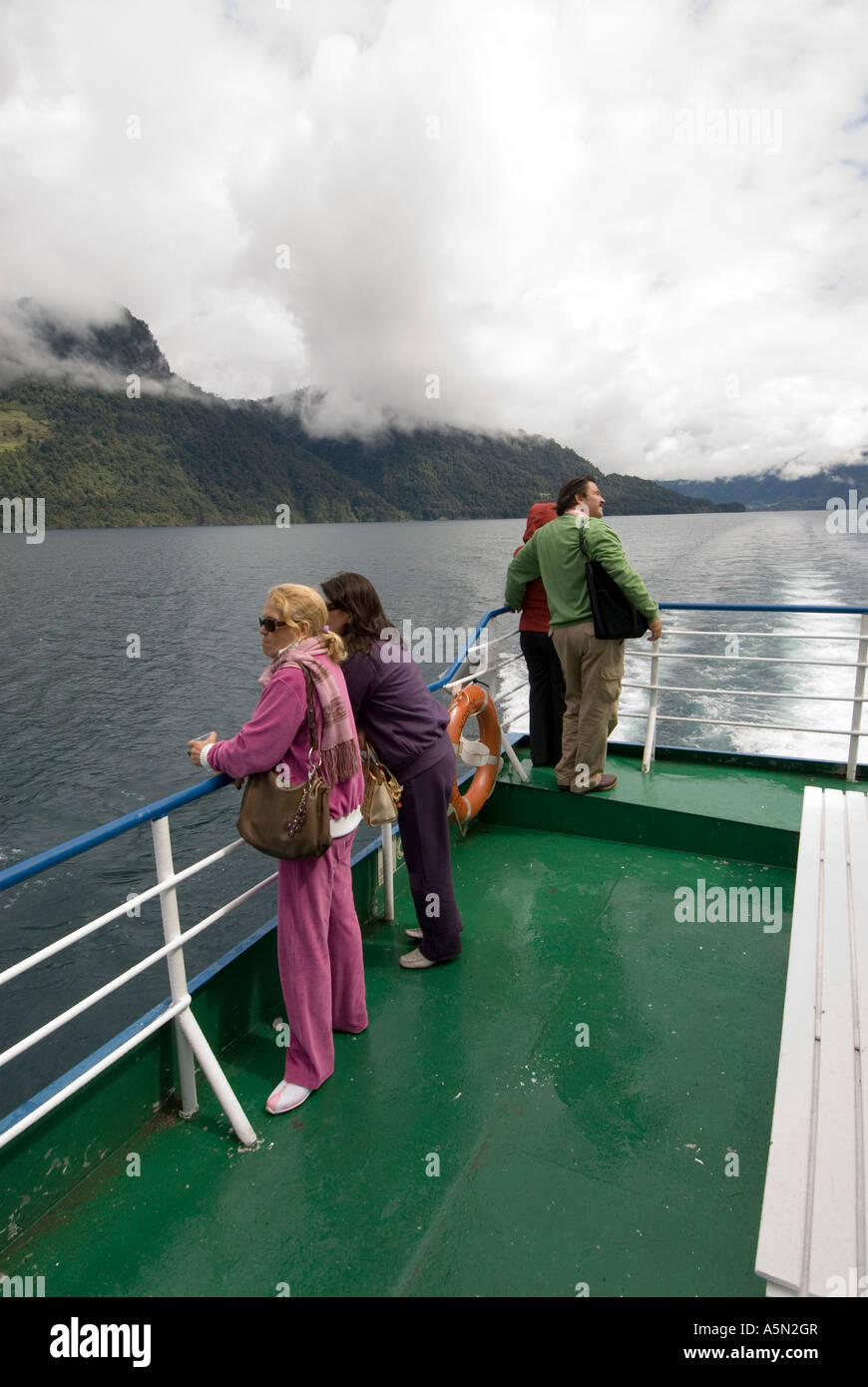 Chile País Lago para viaje en barco a través del lago Todos Santos hasta Peulla Imagen De Stock