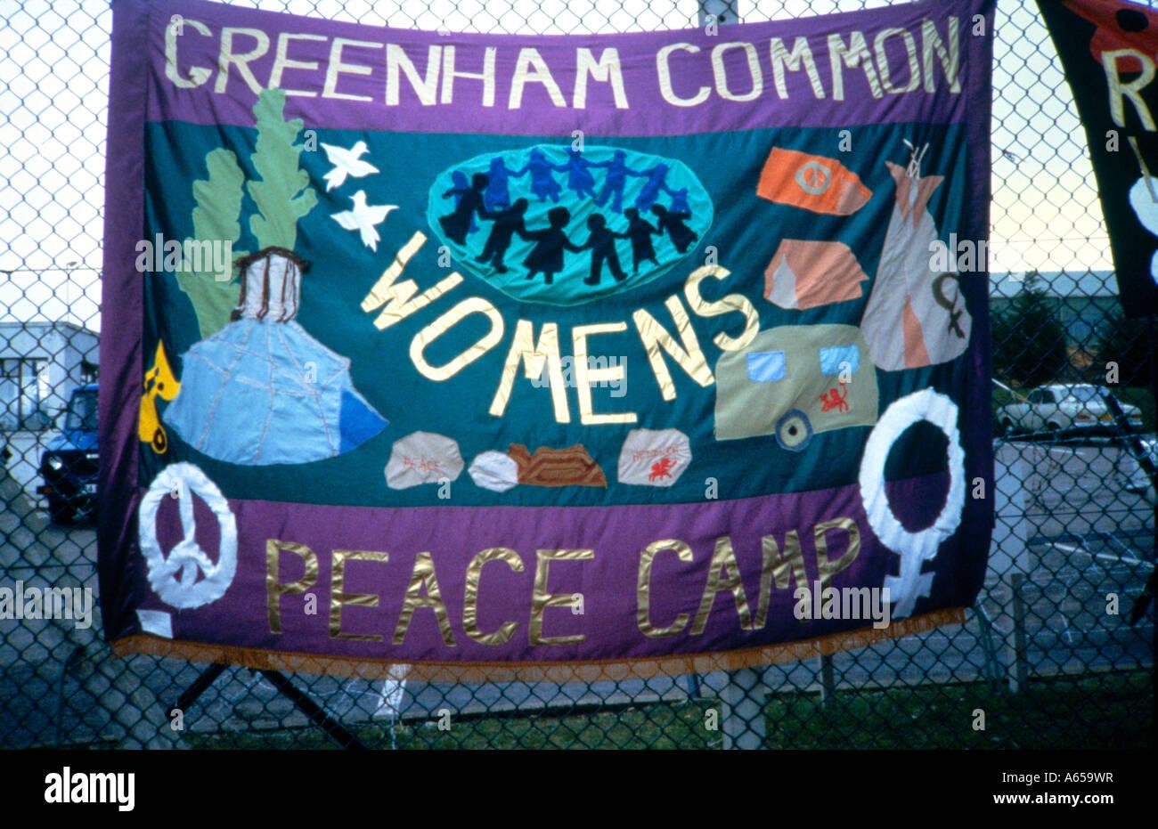 Las mujeres de Greenham Common Peace Camp Banner en esgrima Imagen De Stock