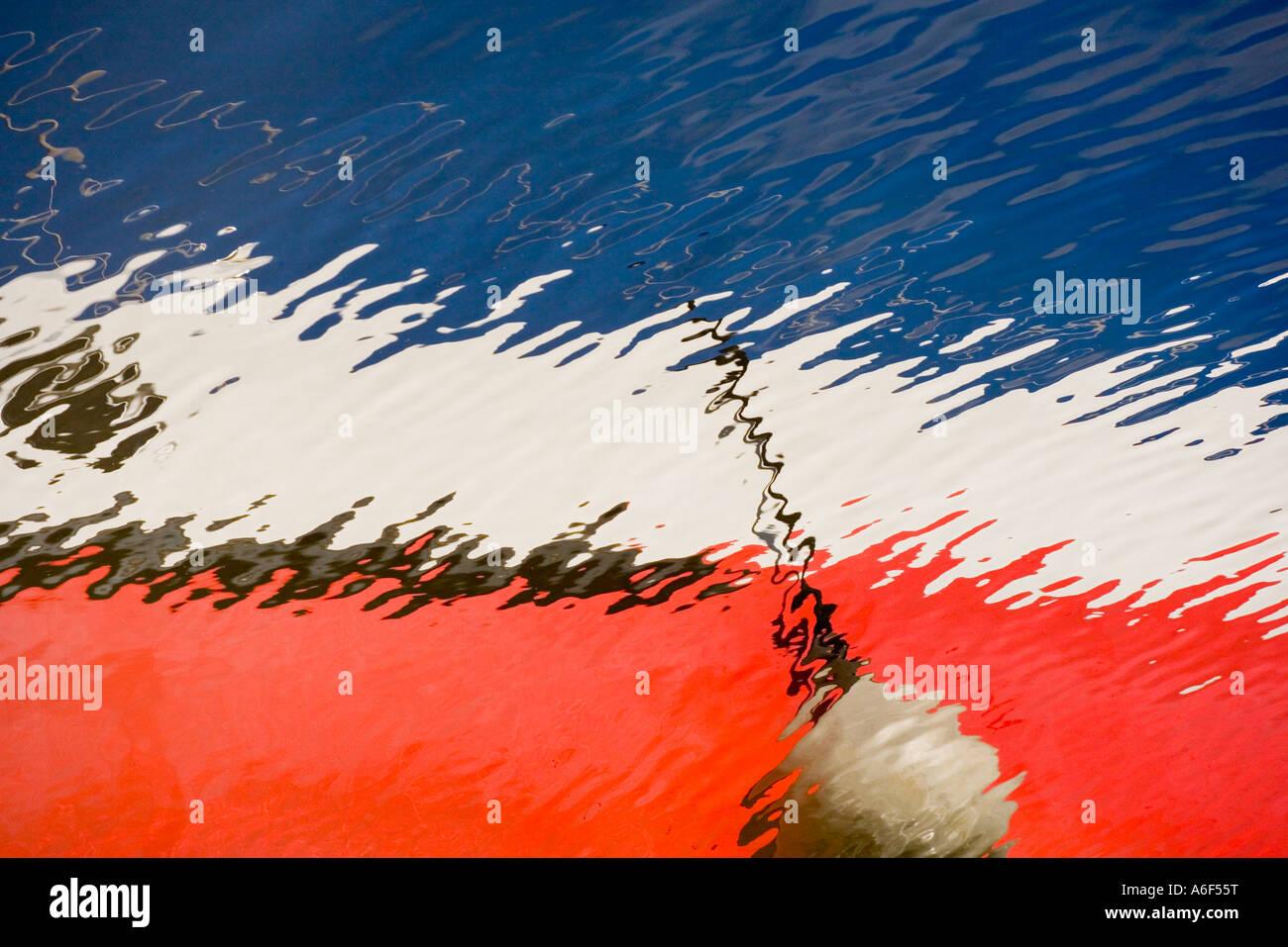 Reflexión abstracta de un barco Imagen De Stock