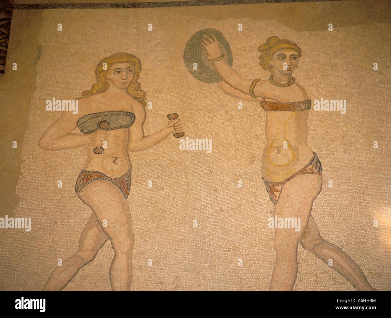 Chicas Bikini Iv D Haciendo Gimnasia La cMosaico Siglo En Villa vwN80mnOy
