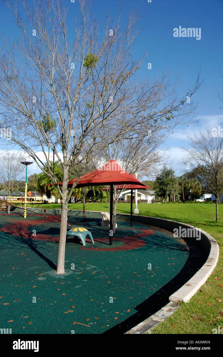 Neumaticos De Caucho Reciclado Son La Base Para Una Zona De Juegos