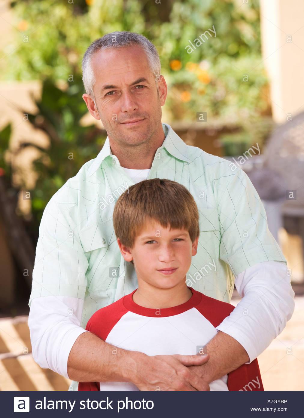 Retrato de un padre con su joven hijo Imagen De Stock