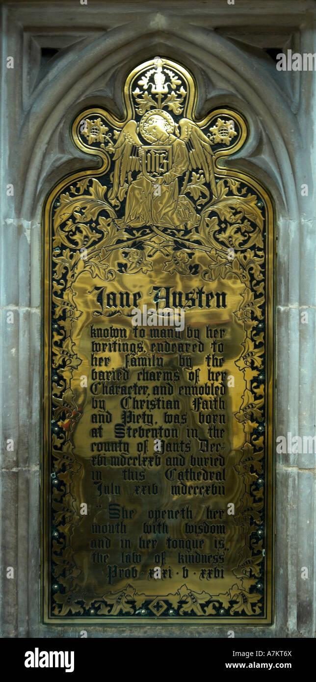 Memorial en la Catedral de Winchester de Jane Austen SÓLO PARA USO EDITORIAL Imagen De Stock
