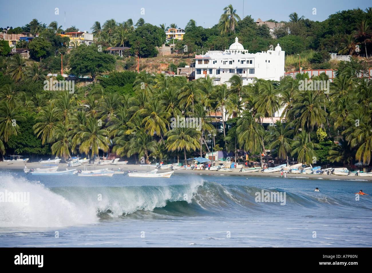 Puerto escondido imgenes de stock puerto escondido fotos de stock surf puerto escondido costa del pacfico en el estado de oaxaca mxico altavistaventures Images
