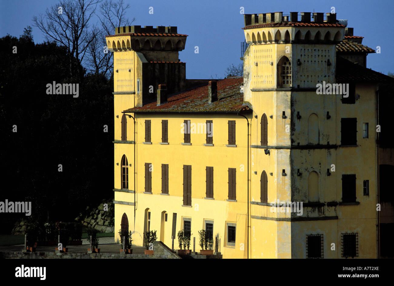 Italia, Toscana, Sant'Agata, agroturismo (granja) Villa I Bonsi en las laderas del Pratomagno Foto de stock