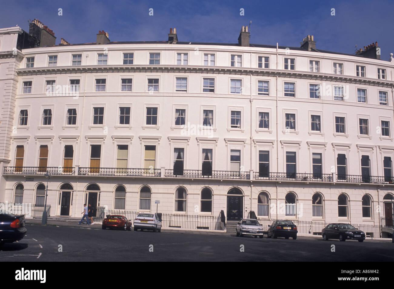 Hove, cerca de Brighton Seafront Palmeria plaza del siglo XIX, famosa por su arquitectura Regency Sussex Reino Unido HOMER SYKES Imagen De Stock