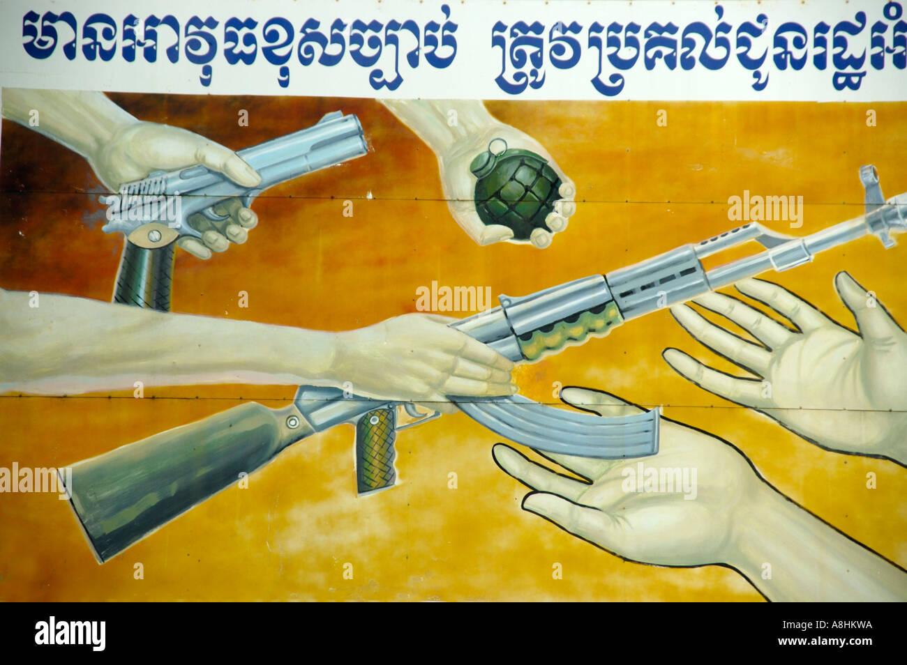 Firmar en Khmer script devolver todas las armas Camboya Imagen De Stock