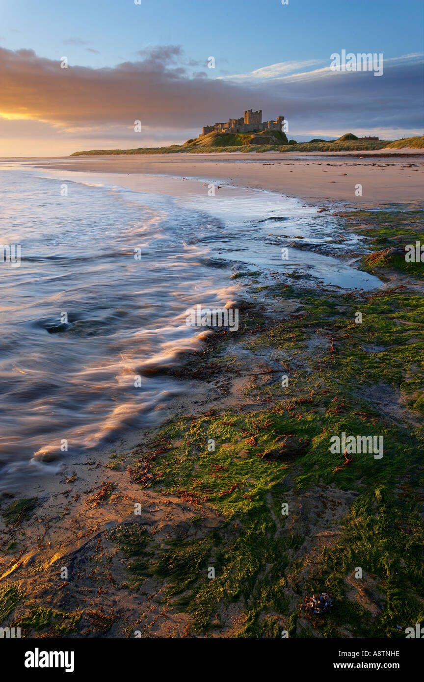 La playa de Bamburgh Castle Northumbria Inglaterra Imagen De Stock