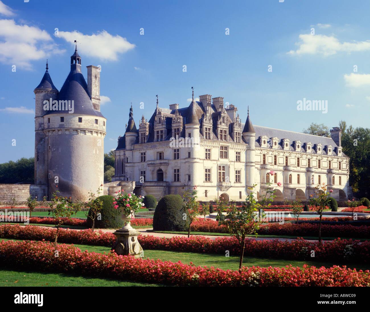 Castillo de Chenonceau sobre el río Cher en Francia Imagen De Stock