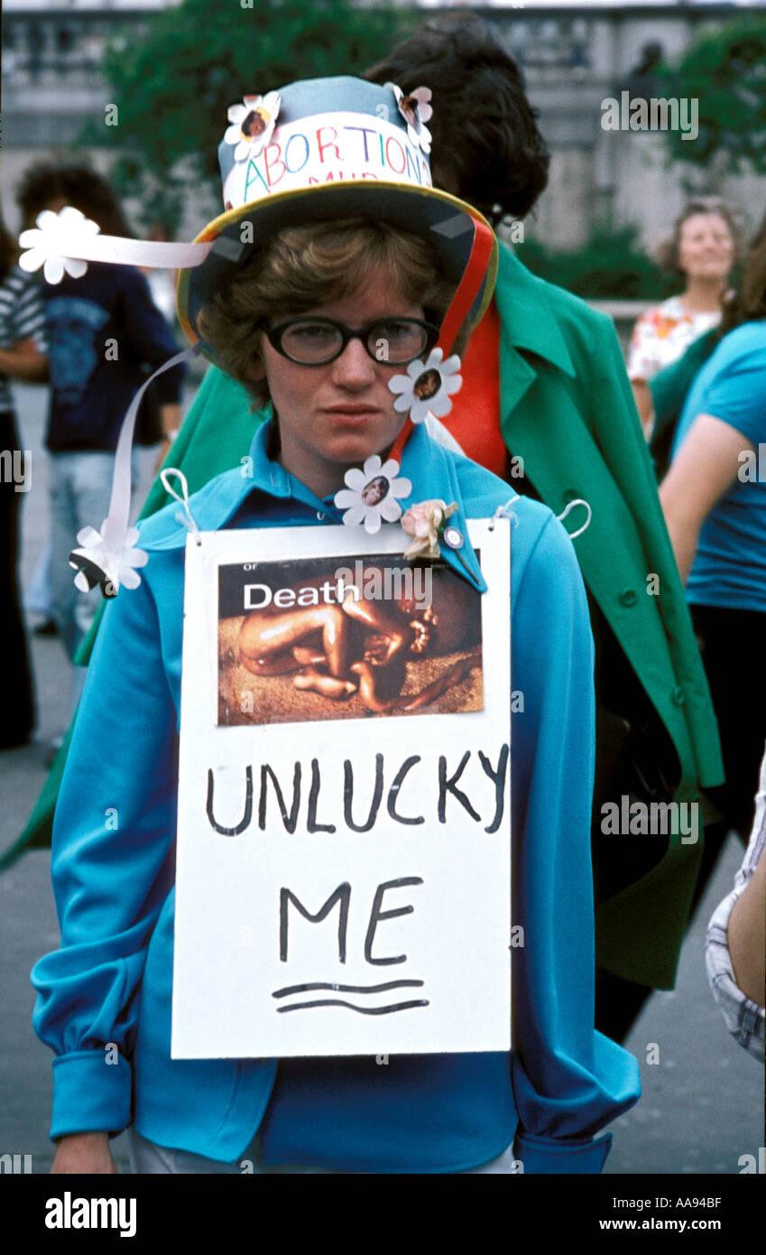 Un manifestante en Londres contra el aborto. Foto de stock