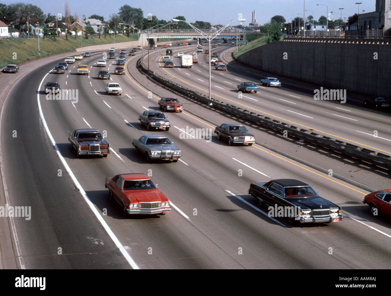 1970 Coches tráfico en I75 Chrysler Freeway cerca de Detroit, Michigan Imagen De Stock