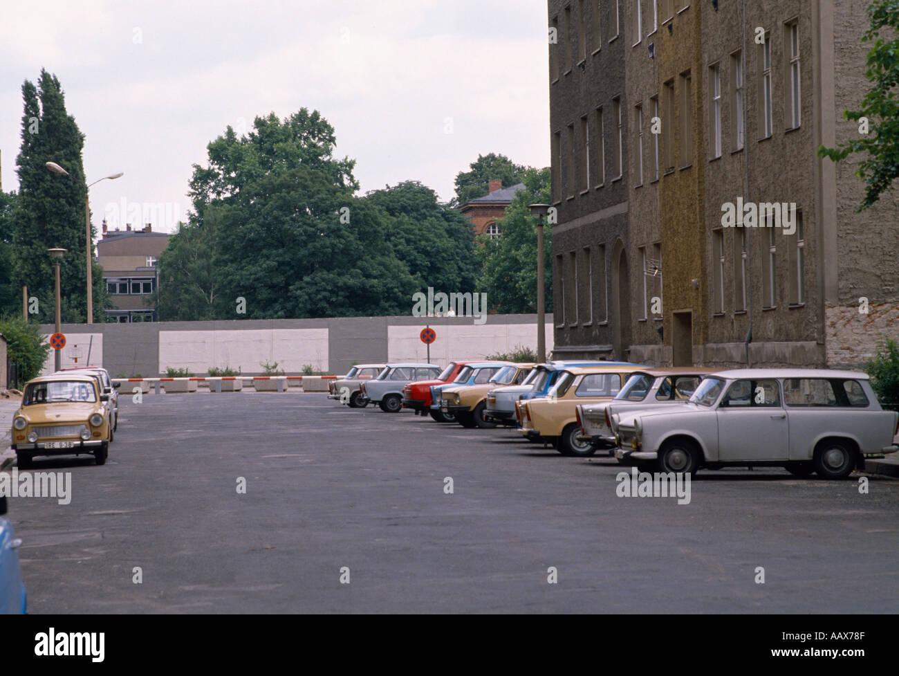 La historia de Europa. El histórico Muro de Berlín en Berlín Oriental en Alemania en Europa durante la Guerra Fría. Imagen De Stock