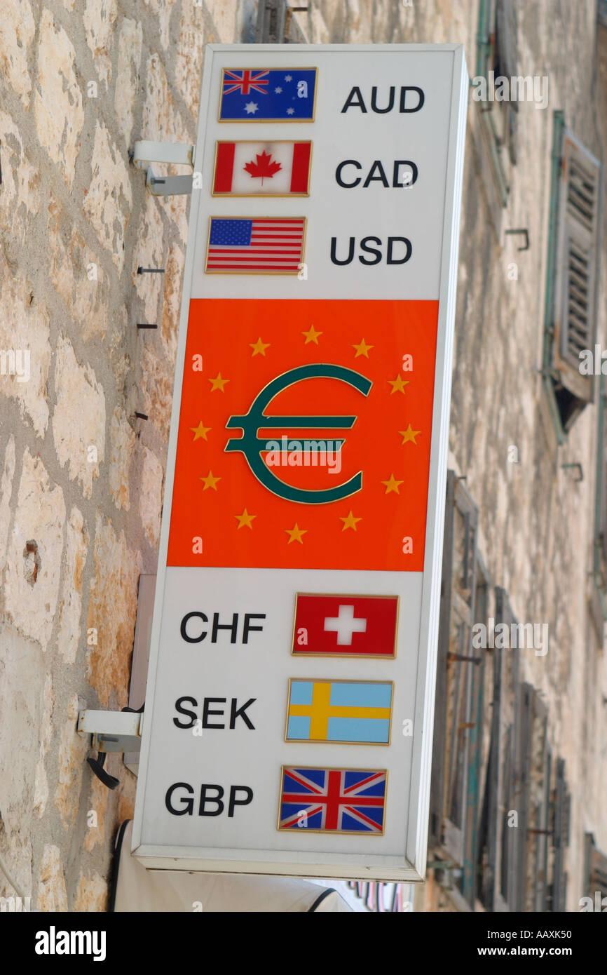 Cambio dinero Cambiar ciudad de Split Dalmacia Croacia Hrvatska Foto de stock