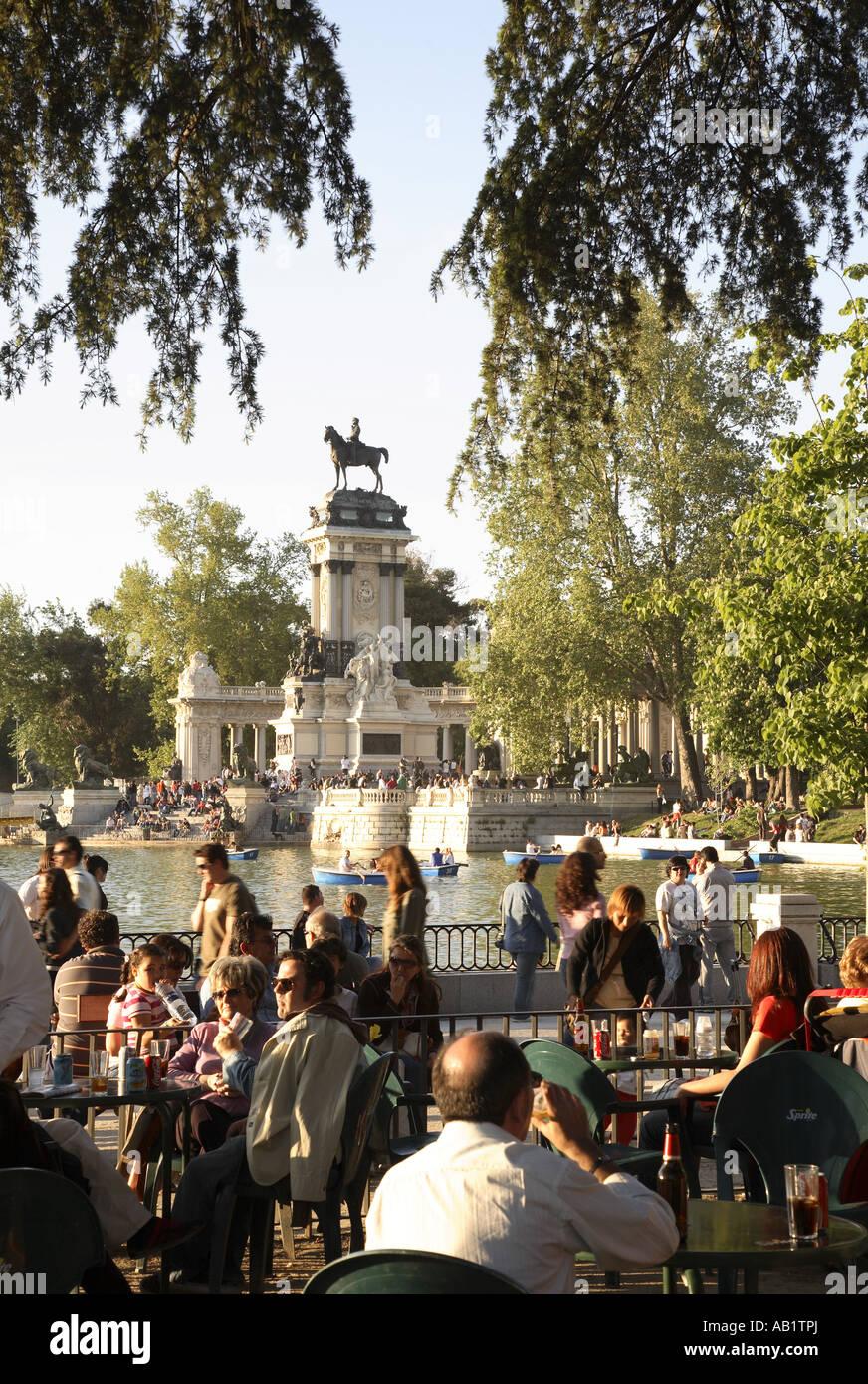 El Monumento A Alfonso Xii 1922 Por El Arquitecto José