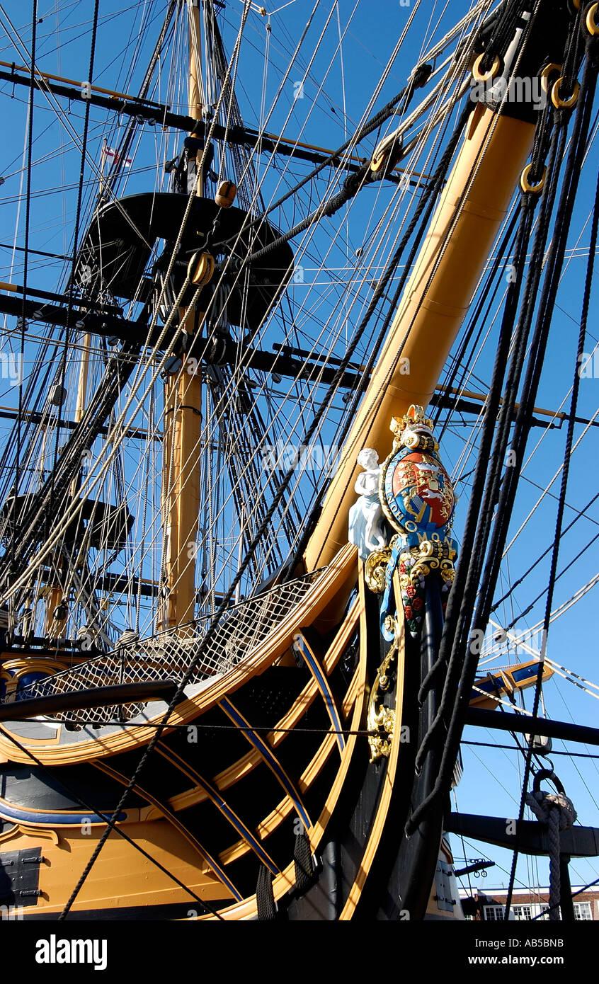 Los arcos del almirante Lord Nelsons emblemático Victoria HMS Astillero histórico de Portsmouth Hampshire Inglaterra Foto de stock