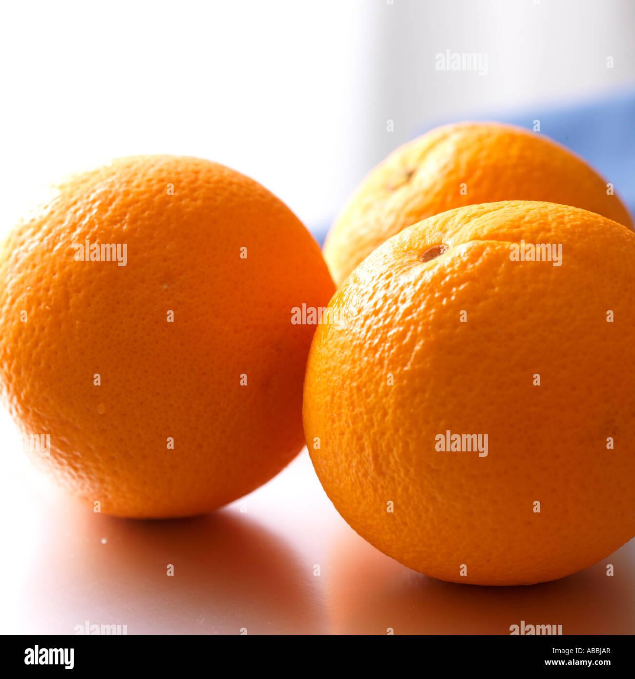 Las naranjas de Florida para el desayuno es una buena fuente de vitamina C Imagen De Stock