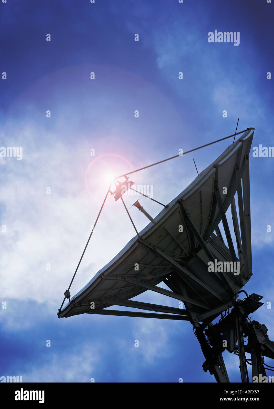 Silueta de antena parabólica Imagen De Stock