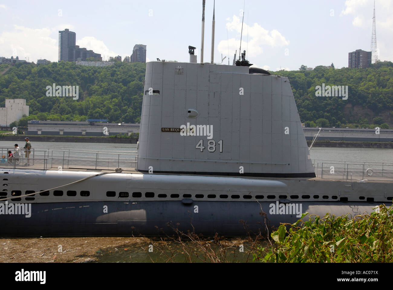 USS Requin una guerra fría piquete de radar de alerta temprana y de ataque submarino en la ciudad de Pittsburgh, Imagen De Stock