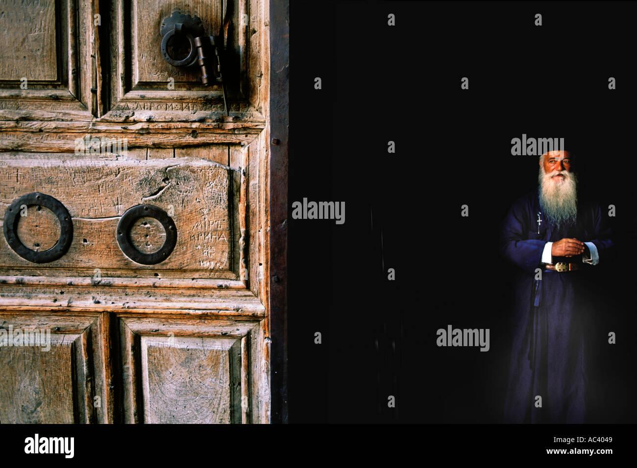 Israel, Jerusalén, Metropol Daniel, la Iglesia del Santo Sepulcro Imagen De Stock