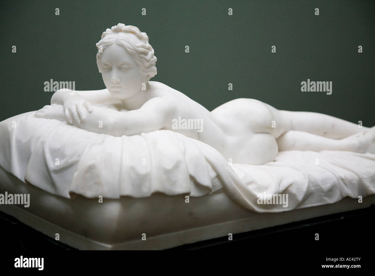 Descansando chica 1826 por Johann Gottfried Schadow 1764 1850, Alte Nationalgalerie, Berlín, Alemania Foto de stock