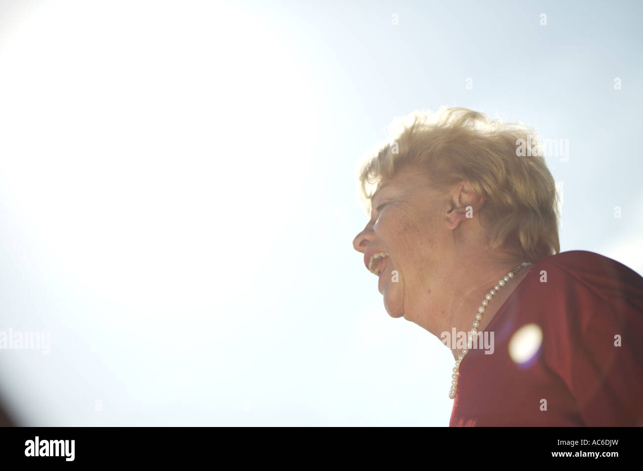Portraet einer alten Dame retrato de una vieja dama Foto de stock