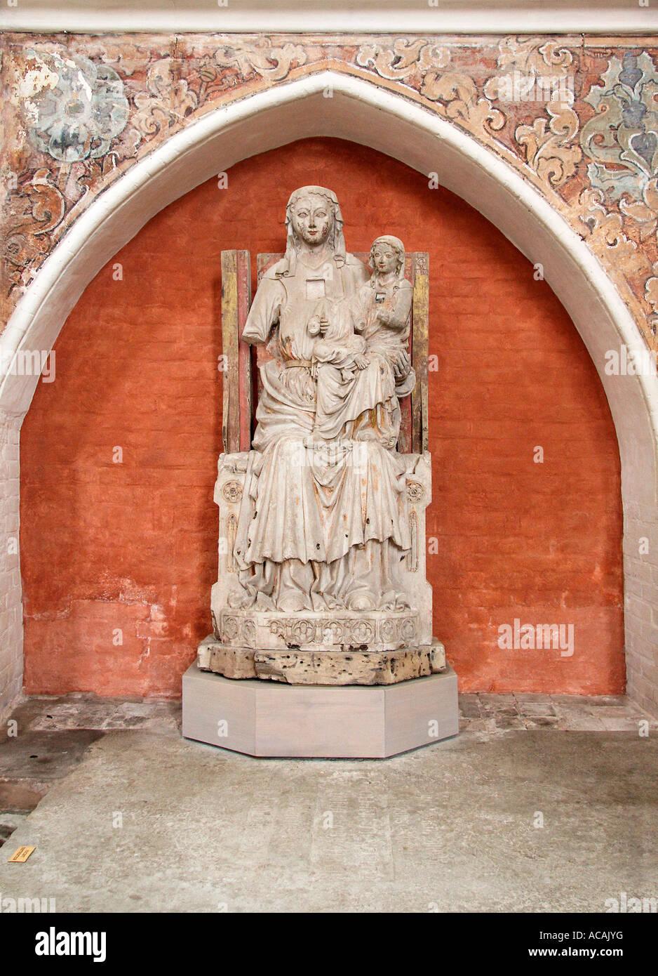 La Virgen y el Niño con Santa Ana, la iglesia de San Nicolás, Stralsund, Mecklemburgo-Pomerania Occidental, Alemania Foto de stock