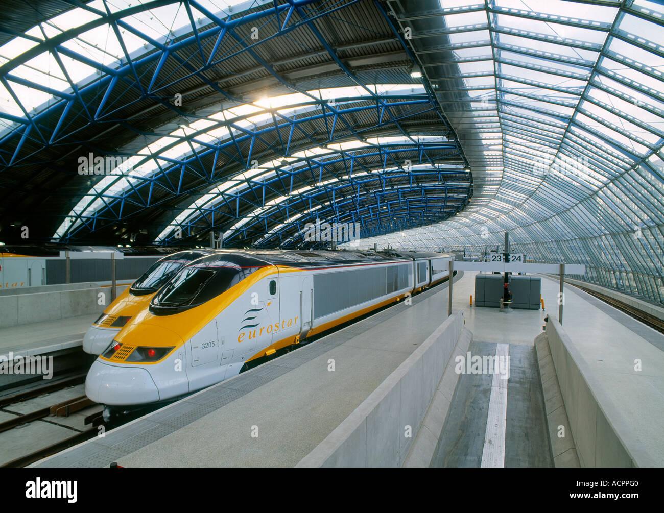 Trenes de alta velocidad de la estación internacional de Waterloo Imagen De Stock