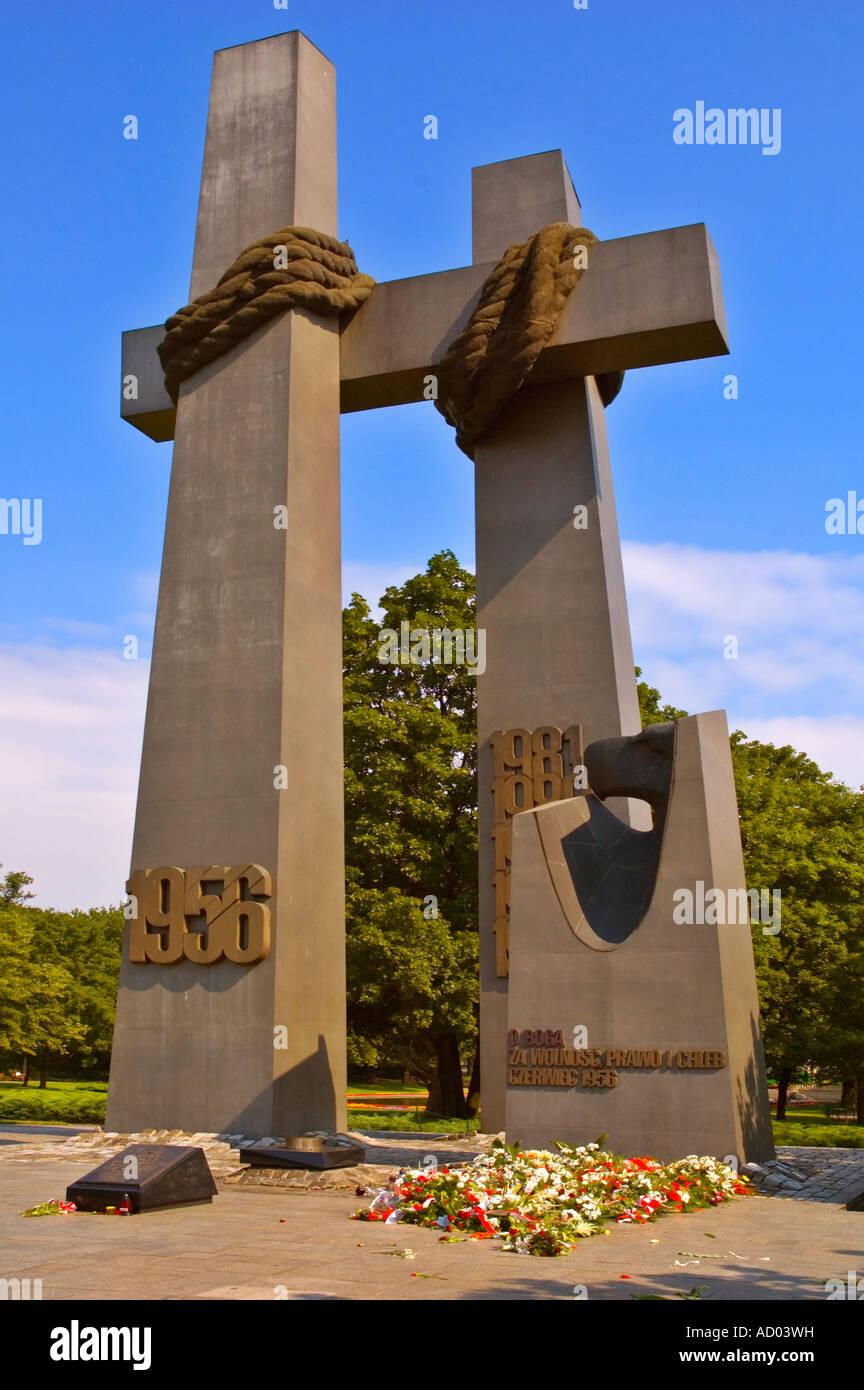 Monumento a las víctimas de junio de 1956 en el centro de Poznan, Polonia UE Imagen De Stock