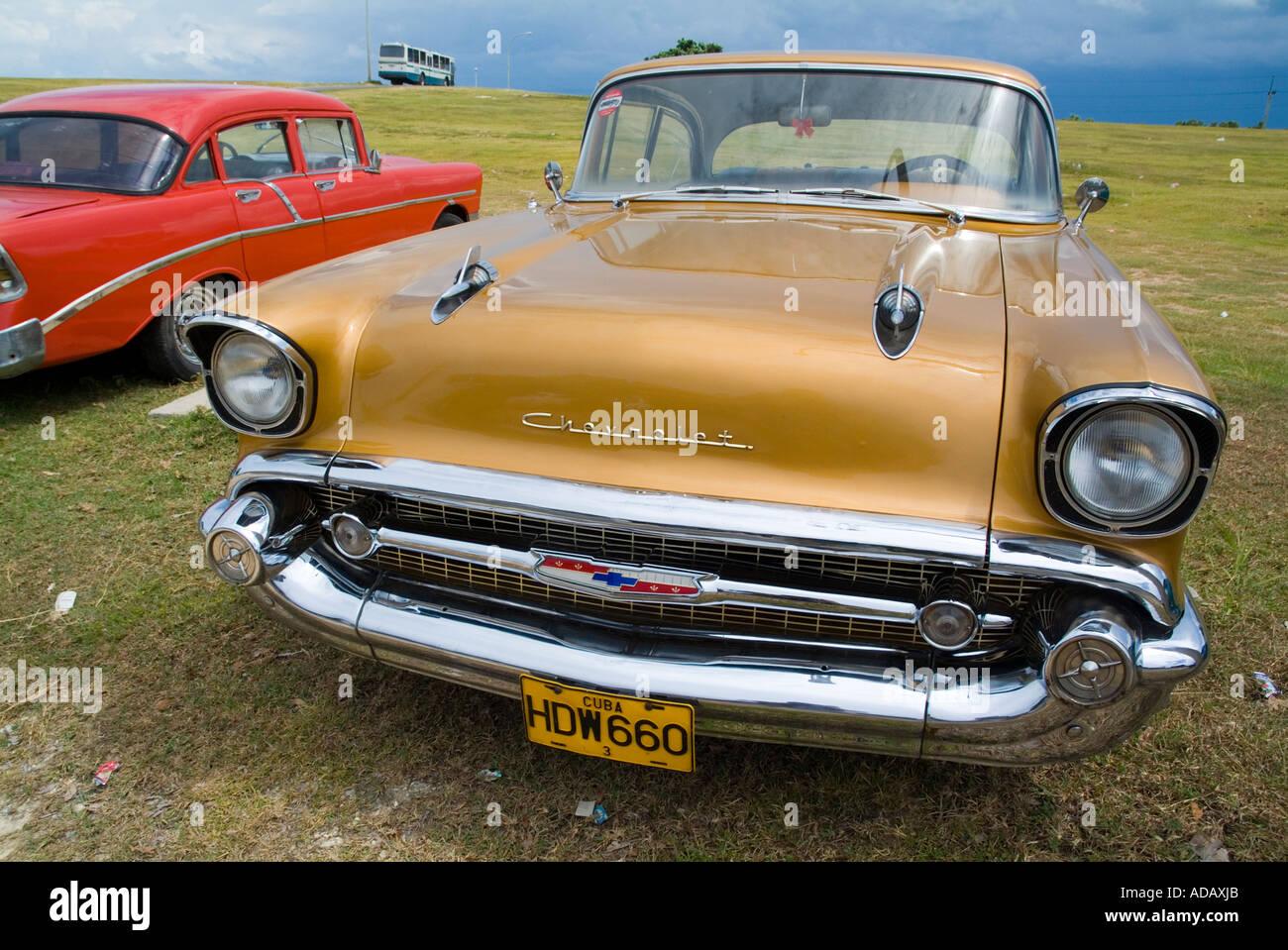 Cuba - coches antiguos coches clásicos americanos en Varadero, Matanzas, Cuba. Imagen De Stock