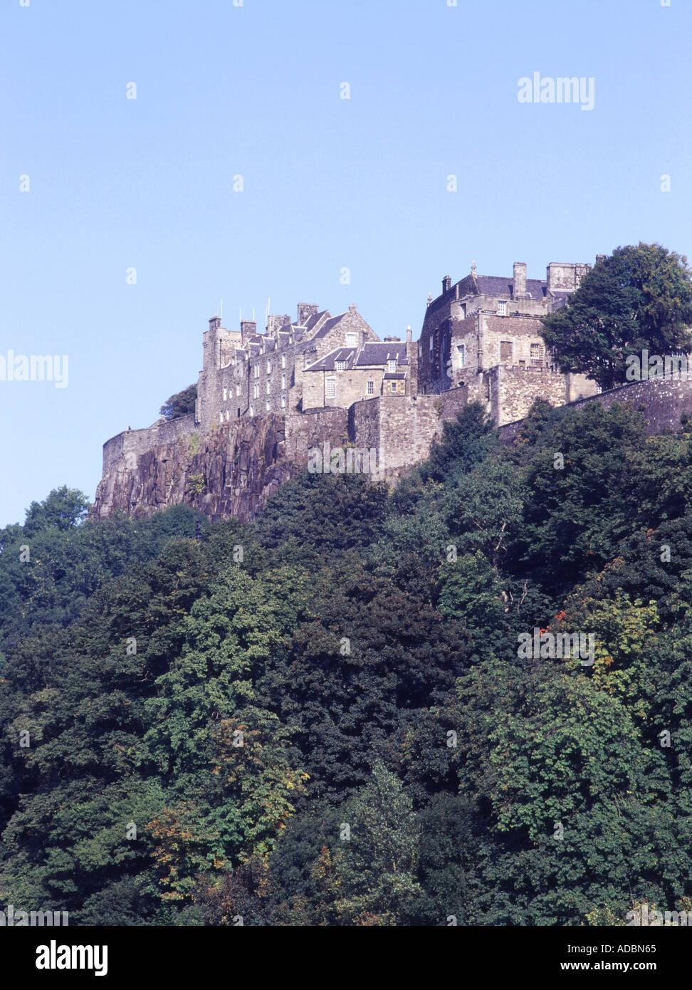 Dh Castillo Stirling Stirling Castle STIRLINGSHIRE sobre roca y campos Foto de stock