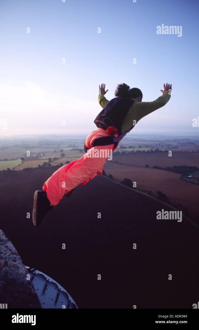 Crédito de la imagen base DOUG BLANE saltando desde la torre de la guerra fría Imagen De Stock