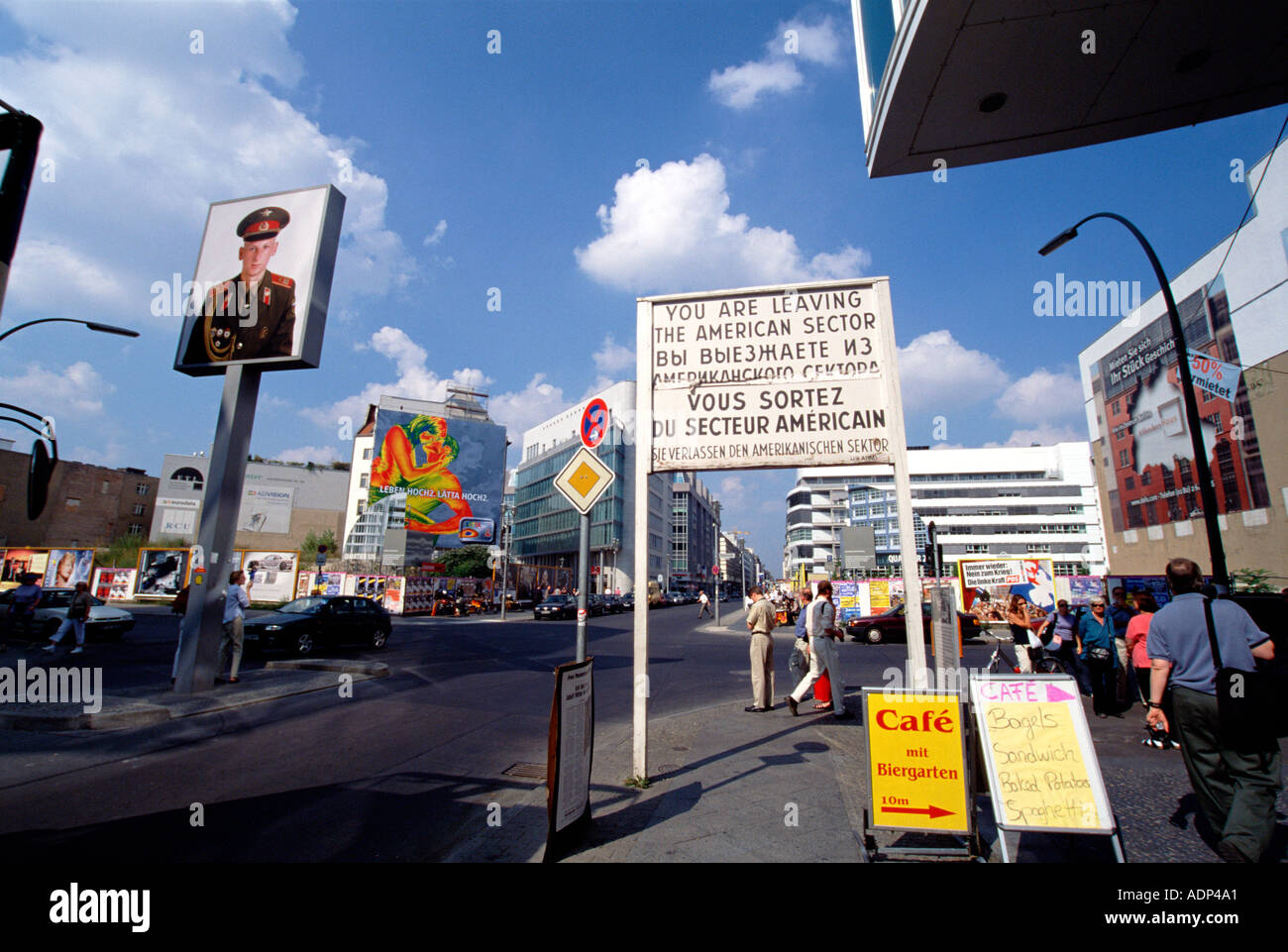 Checkpoint Charlie Berlin Alemania Imagen De Stock