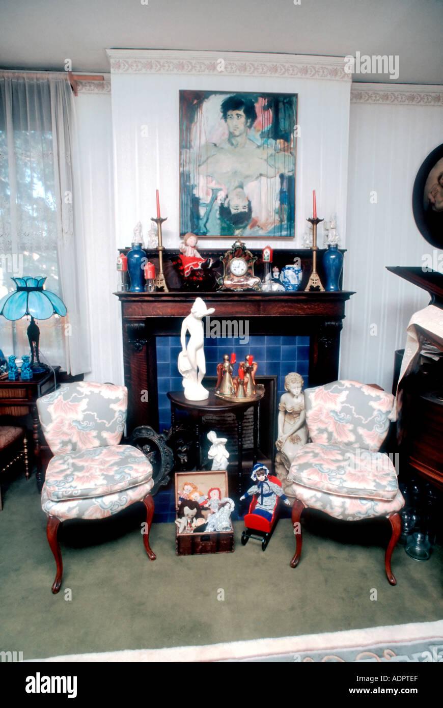 Ee.Uu. American escaparate Interior Home, Salón de antigüedades 'single' de la casa de la familia Imagen De Stock