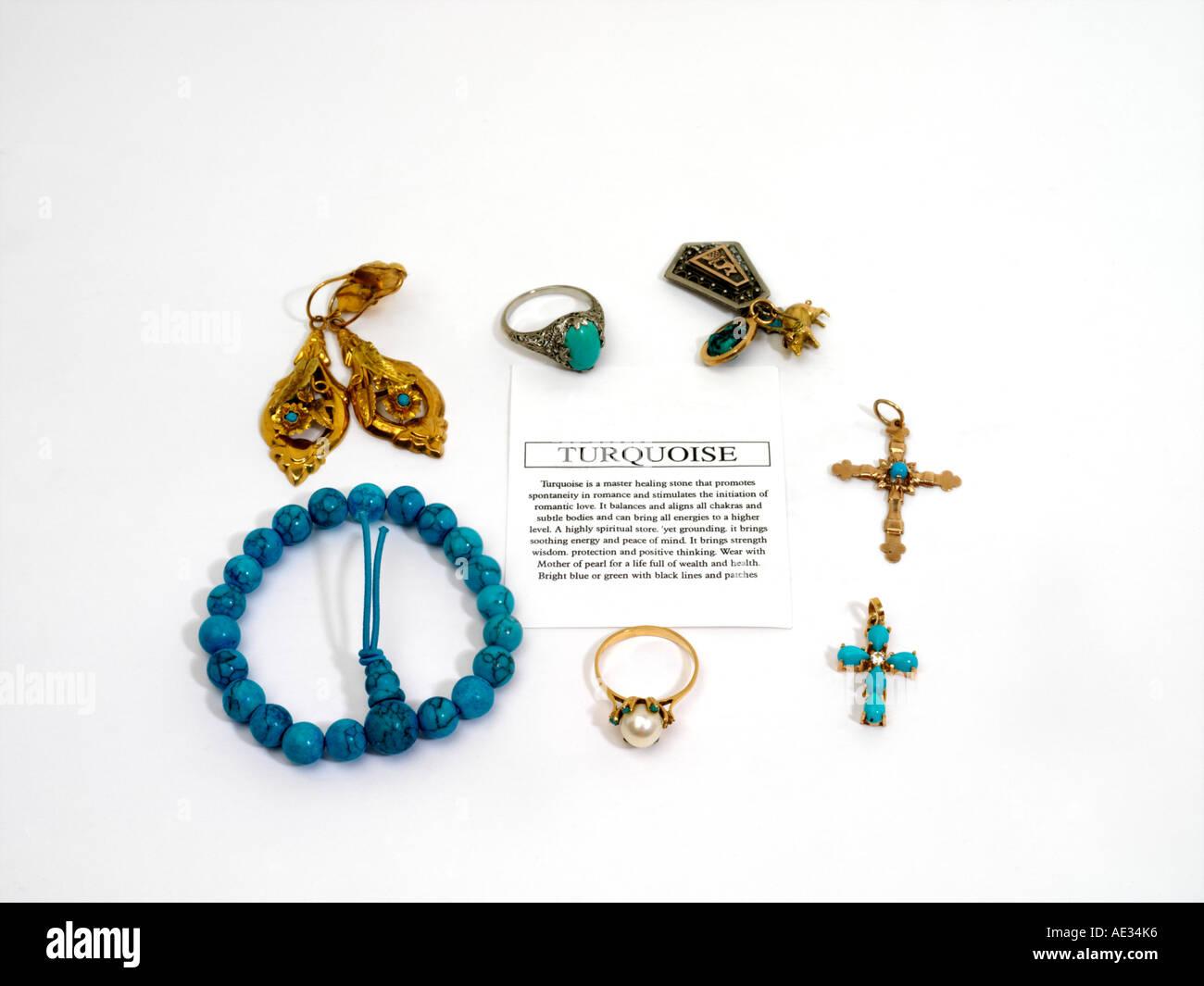 d656bc98f794 Pulsera Pendientes Anillos joyas de turquesa y cruza la turquesa es una  piedra curativa maestra que