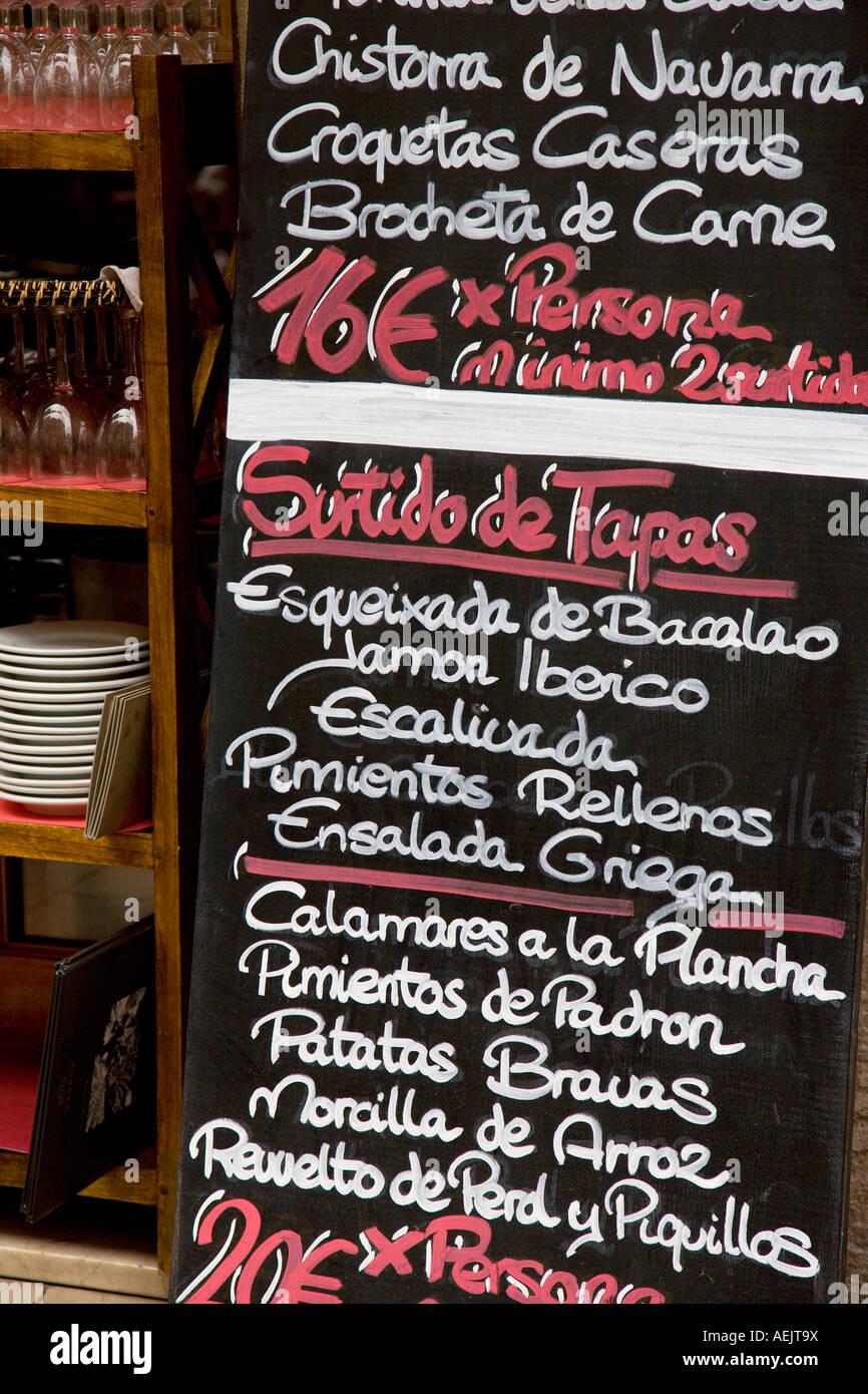 Bar de tapas, el barrio de Borne, Barcelona, Cataluña, España Imagen De Stock