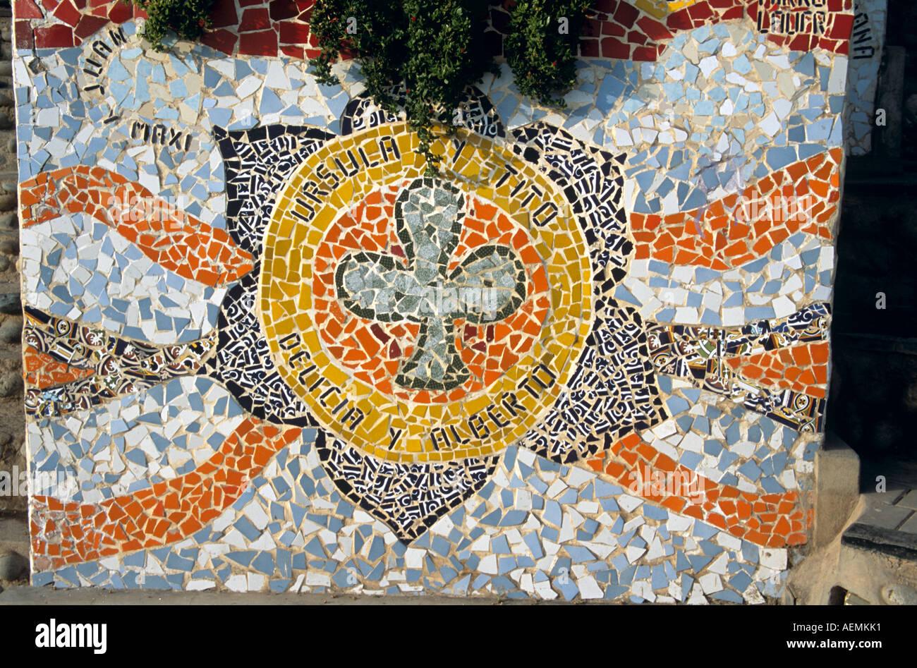 Pared de azulejos, el Parque del Amor, Miraflores, Lima, Perú. Imagen De Stock