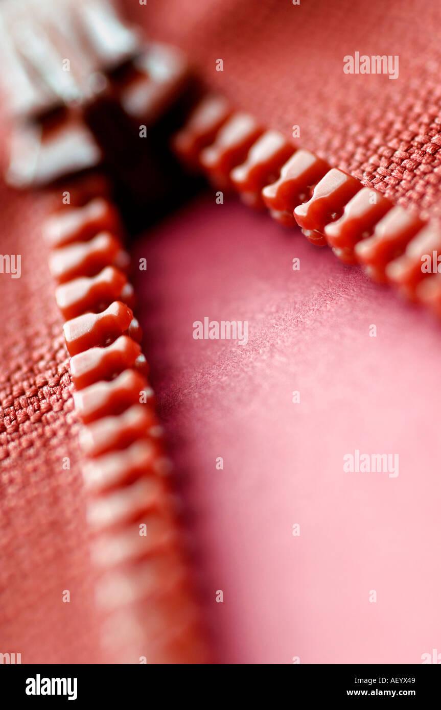 Detalle de cremallera roja Imagen De Stock