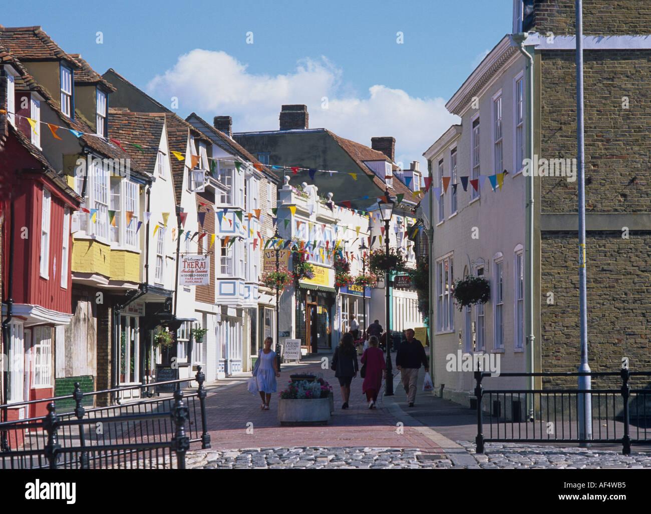 Calle comercial en Faversham con Georgia y Regency frentes Kent Imagen De Stock