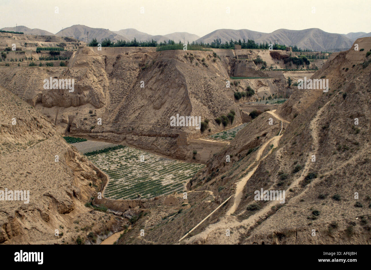 China Gansu Lanzhou Agricultura De Loess Valles Erosionados