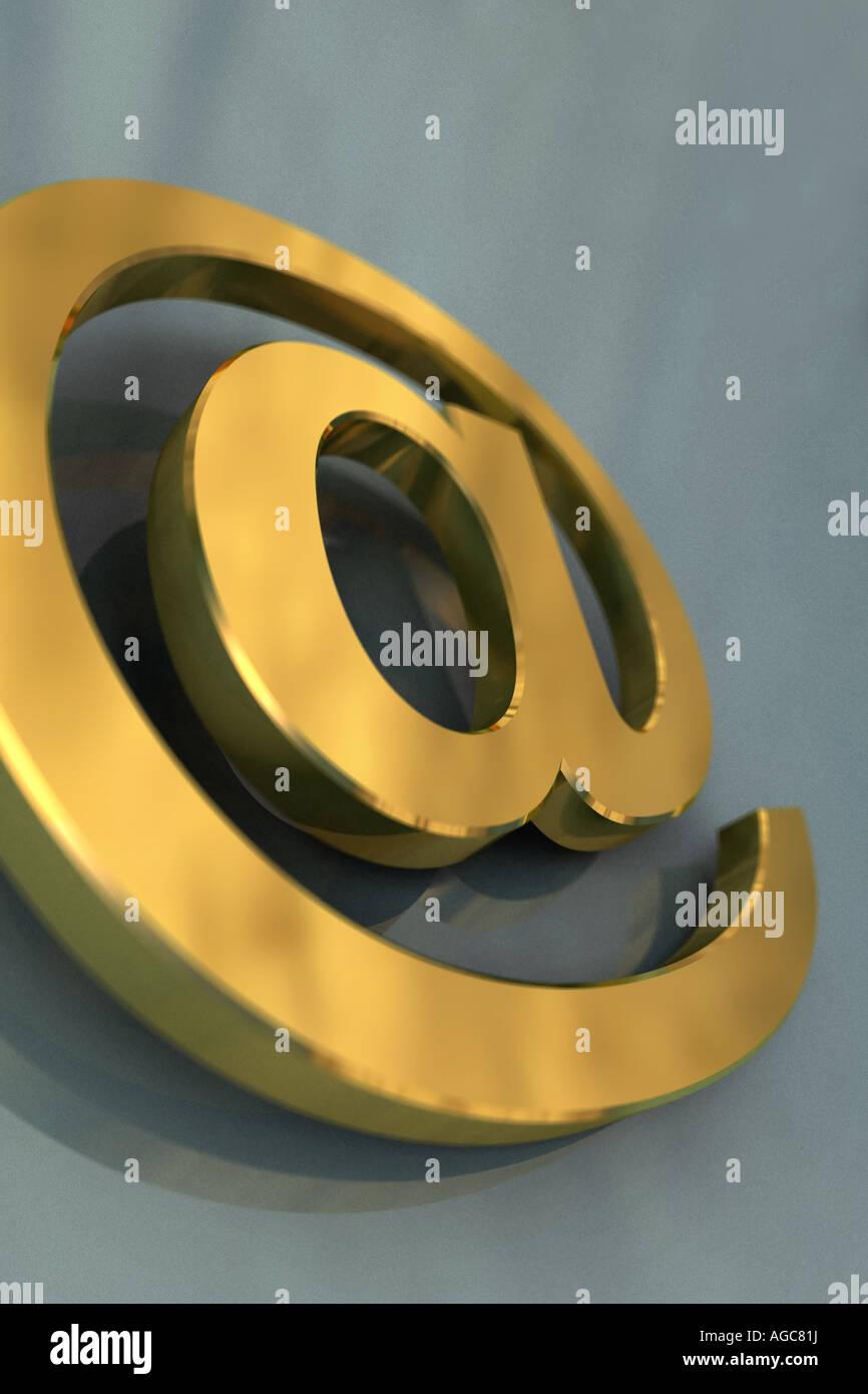 3D gold e-mail concepto símbolo Imagen De Stock