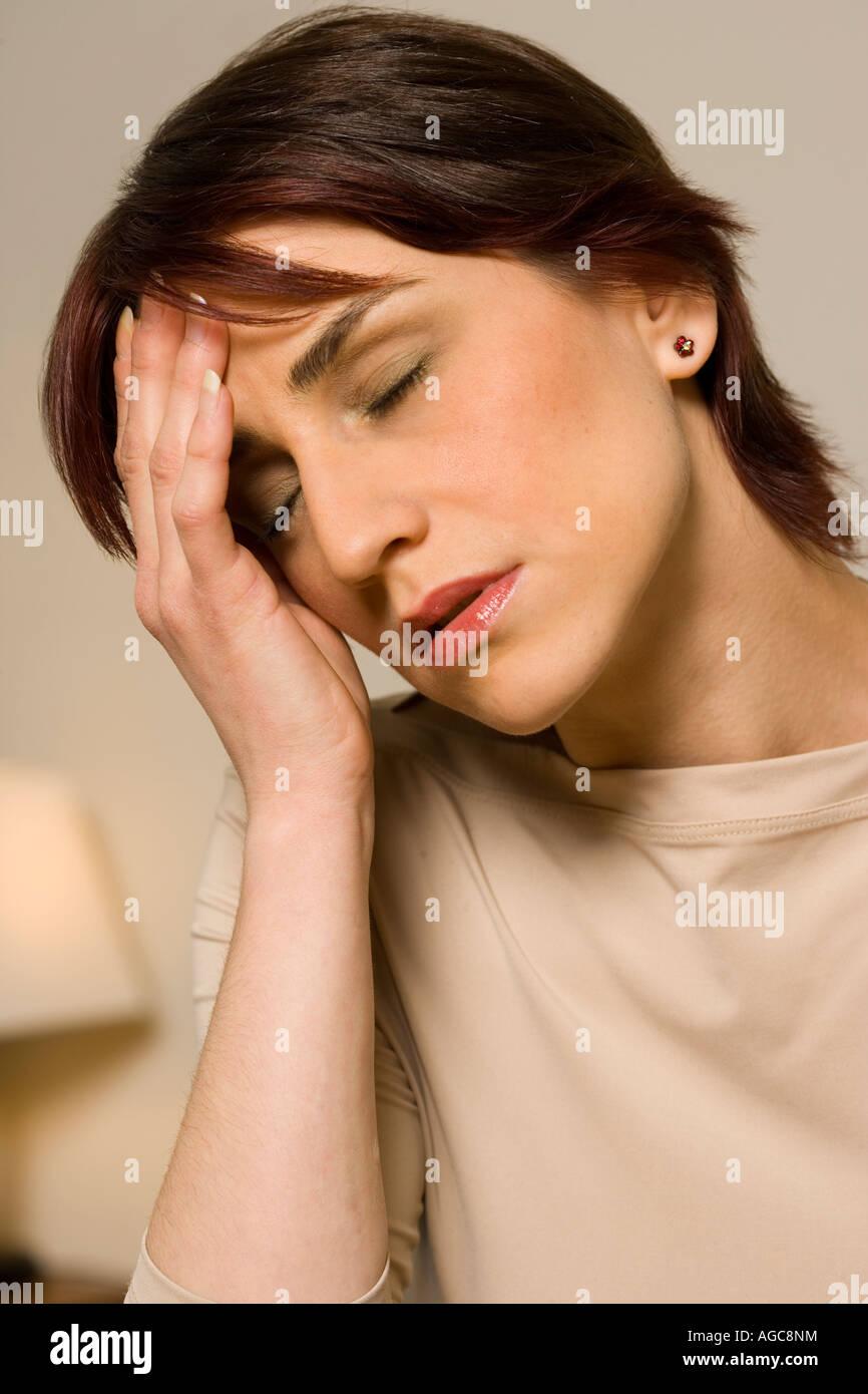 Tengo un dolor de cabeza. Imagen De Stock