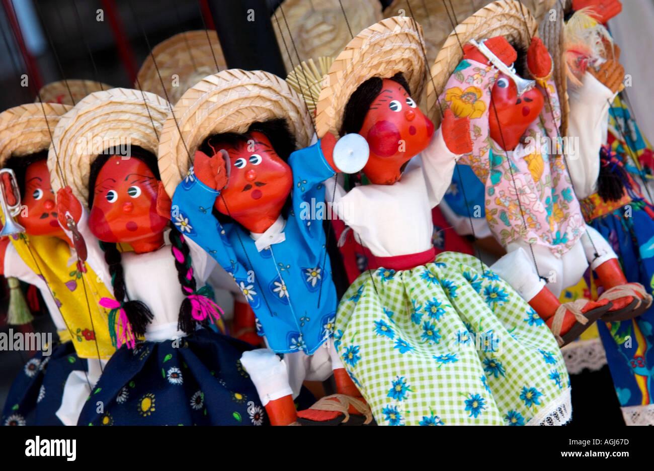 Mexico Souvenir Dolls Imágenes De Stock   Mexico Souvenir Dolls ... 17185ed5721