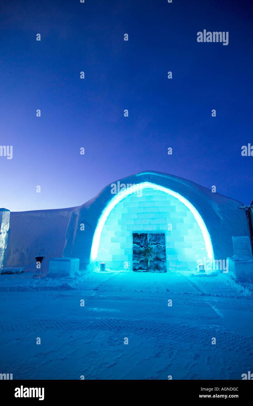 La entrada principal del hotel de hielo Jukkasjarvi Suecia Imagen De Stock