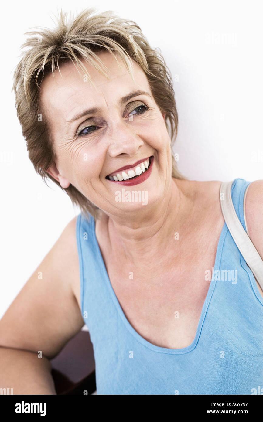 Close-up de una mujer madura sonriente Imagen De Stock