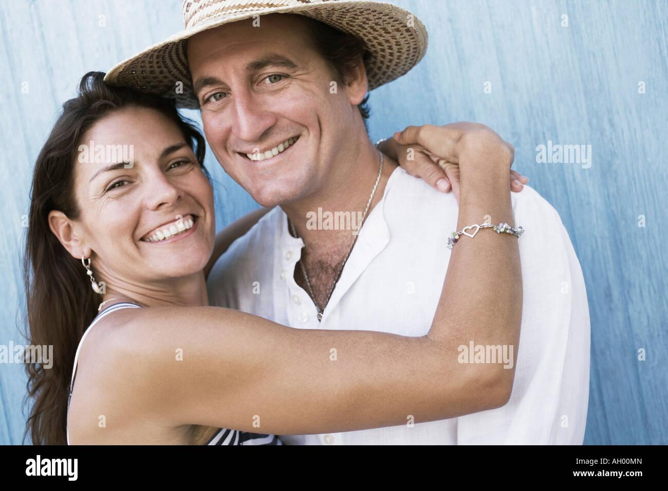 Retrato de una pareja adulta media sonriendo Imagen De Stock